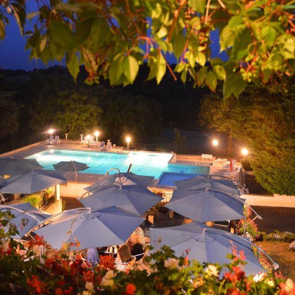 Camping Lot Dordogne & Country Club Chateau de Lacomte